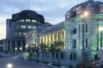 Parliament-Buildings-At-Night