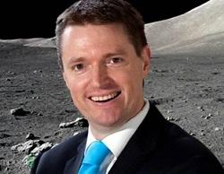 Craig_on_the_moon