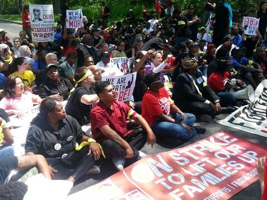 1400703764000-XXX-McDonald-s-Protests-01