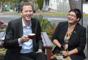 Green-Party-co-leaders-Russel-Norman-and-Metiria-Turei-relax-in-Auckland.-Photo-by-The-New-Zealand-Herald