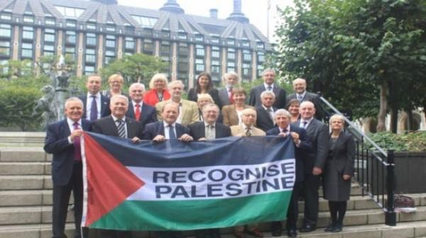 381859_UK-Palestine-recognition