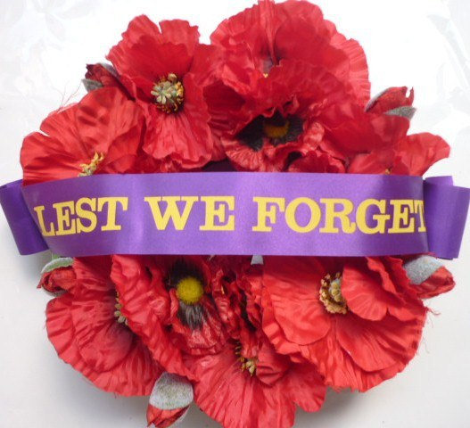 anzac-day-red-poppy-wreaths-2